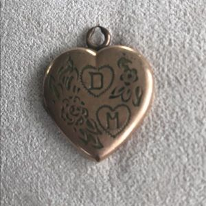 Jewelry - Rose gold heart charm